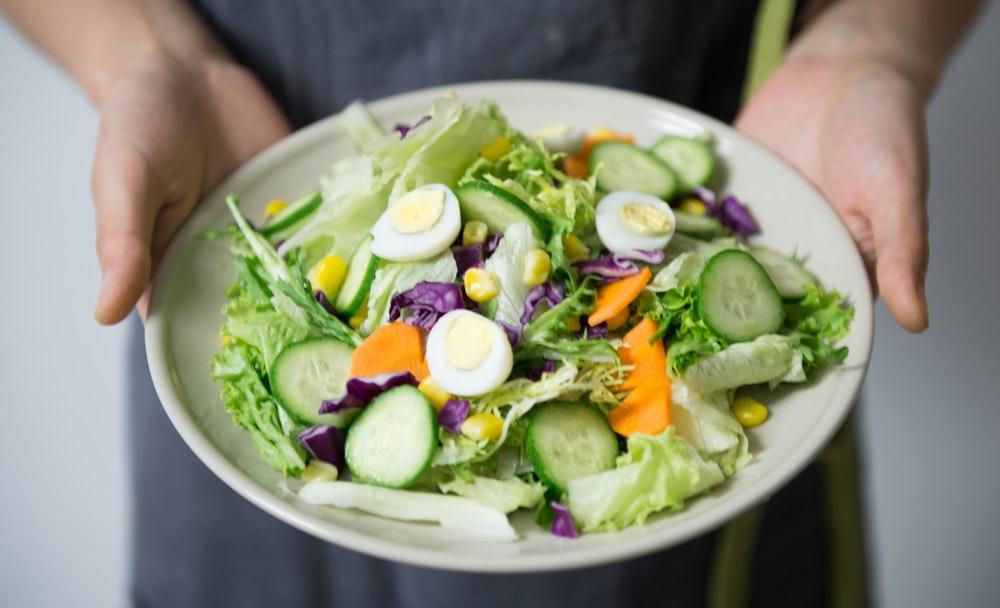 Végétalien pour les débutants : un guide compact sur la santé, l'alimentation et le mode de vie